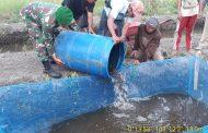 Dinas Ketahanan Pangan Provinsi Riau telah menyerahkan bibit ikan lele kepada kelompok tani Usaha Baru