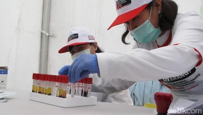 Tes HIV Pranikah Hasilnya Positif, Tetap Dapat Sertifikat Layak Kawin?