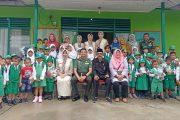 Dandim 0314/Inhil bersama Sekkesbangpol Marlis Syarif, S. Sos, MH berkunjung ke TK Kartika 1- 52 Tembilahan