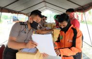 Polda Riau Menggandeng Relawan Salurkan Bantuan