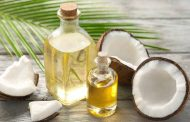 Virgin Coconut Oil (VCO) atau minyak kelapa murni diyakini punya manfaat untuk tangkal virus corona.