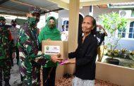 *Danrem 031/WB Beserta Ketua Persit KCK Koorcab Rem 031 PD I/BB dan Relawan Peduli Covid 19 Riau Kembali Bagikan Bantuan Kemanusiaan*