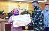 *Ahli Waris Dua Pahlawan Kesehatan TNI AD Terima Santunan Asabri*