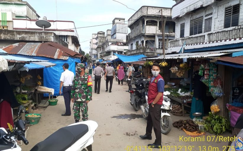 *Himbauaan Babinsna Koramil 07/Reteh Tentang Disiplin mematuhi protokol Kesehatan*