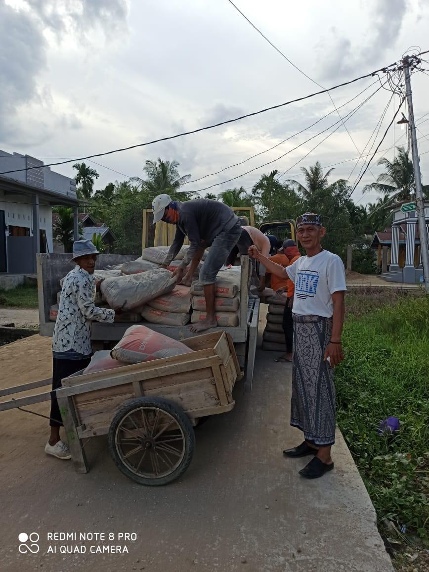 Kapolres Inhil, Beri Bantuan Material Pondok Syekh Abdurrahman Siddiq II