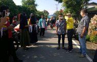 Pemdes Pulau Palas Bersama Relawan Hari ini Bagikan Masker Secara Gratis