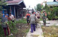 Serka Sasmito ikuti gotong royong perbersihan drainase dan jalan umum.