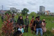 Dandim 0314/Inhil Menghadiri prosesi pemakaman Istri  personil Koramil 01 Tembilahan Serma (Purn) Idham Rizal