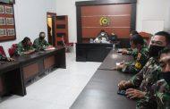 Letkol Inf Imir Faishal mengikuti kegiatan Vidcon / zoom meeting dalam rangka kampanye menggunakan masker secara nasional