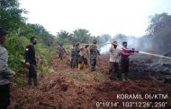 Babinsa Koramil 06/Kateman melaksanakan Pemadaman titik api di Desa Sapta mulia Jaya di Hari Ke - 3