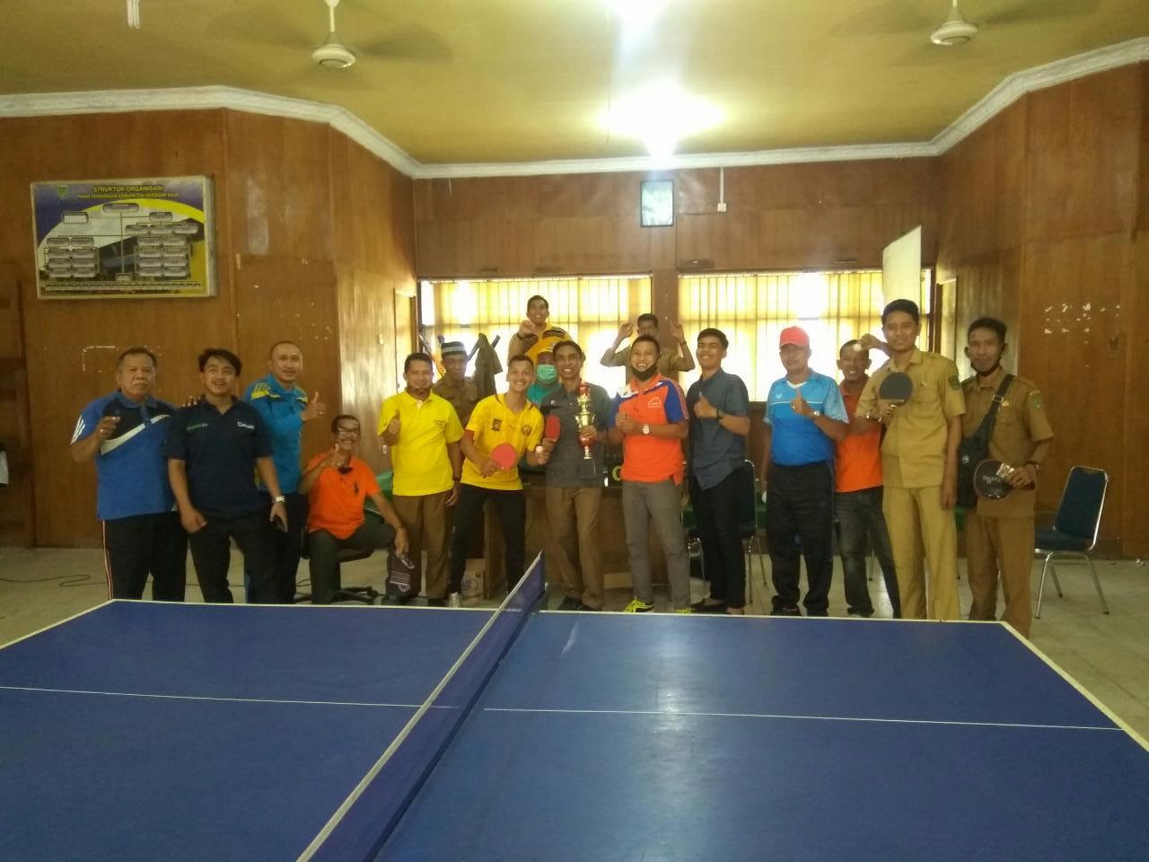 Meriahkan HUT RI dan Milad Riau, Disdik Taja Turnamen Antar Pengawai dan Guru