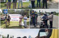 IWO Riau dan Kapolsek Rumbai Bagikan 2.000 Masker Gratis di Perempatan PCR