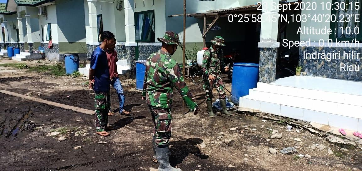 Penyemprotan desinfektan serempak masih dilakukan Koramil 11/Pulau Burung Kodim 0314/Inhil
