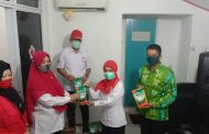 PMI Kab Inhil Serahkan Masker dan Pembersih Lantai ke Pengurus Kecamatan Se-Kabupaten Inhil