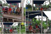 Serda Siswanto Babinsa Koramil 11/Pulau Burung bersama Personil lainnya galakkan sosialisasi karhutla