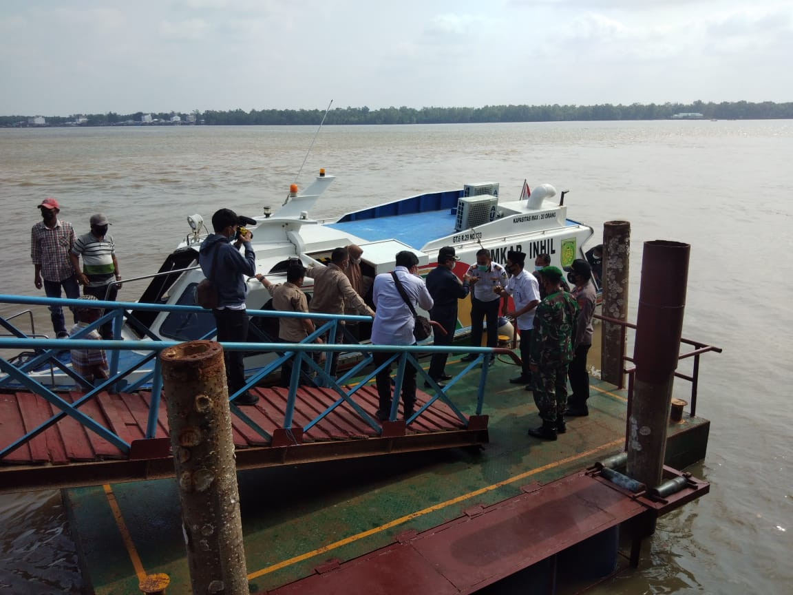 Sambu Group Hibahkan Dermaga Apung Pelabuhan Perhubungan di Kuala Enok