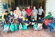 Pembina YVB Marlis Syarif Salurkan Bantuan Kepada Anak Yatim