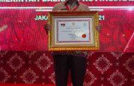 DPMPTSP Riau Raih Penghargaan Pelayanan Terbaik Nasional