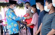 Silaturahmi Dengan Anak-Anak Yatim Di Kota Tembilahan, Bupati HM.Wardan : Tanggung Jawab Kita Bersama